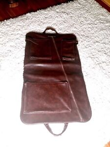 BRAND NEW Vintage luggage for suits (suitcase)