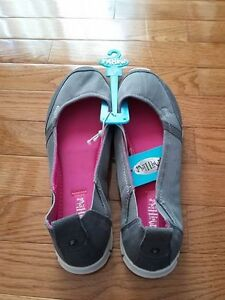 New with tags ladies flats