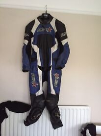 RST voltage leathers fits chest size 40""