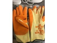10 x Pairs of size 10 NEW working gloves