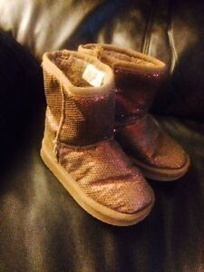 2 boots size 10 one pair of guess shoes size 12