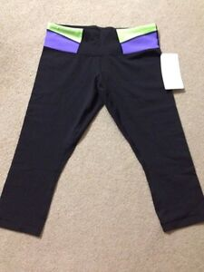 Lululemon brand new crop pants w/ tag. Size 4