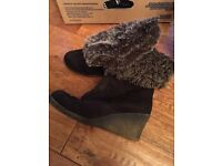 Winter faux fur Suede ankle boots size 6