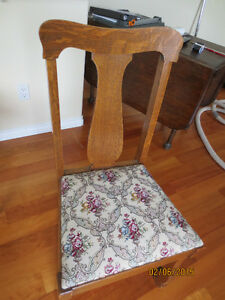 Set of 4 oak dining chairs with tapestry seats     Circa 1910