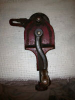 Antique Peerless H & W Grinder from Coaticook Quebec City of Montréal Greater Montréal Preview