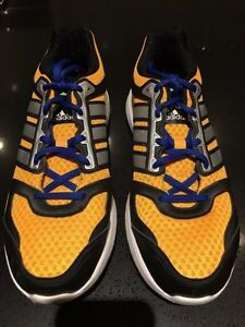 Like New - Men's US size 7.5 Adidas Galaxy Running Shoes