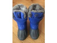 Snow boots kids size 13 fits size 12 as come up small brand new in the box