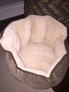 Cat or Dog bed- suitable for small dog or kitten  Cambridge Kitchener Area image 1