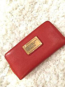 Marc by Marc Jacobs™ Classic Q Vertical Zippy Wallet