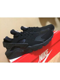 Nike air huarache triple black 100% authentic soze 8.5 brand new boxed unworn £75