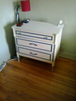 Two dressers - 2 petites commodes