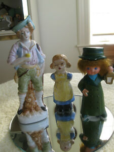 THREE OLD VINTAGE MINI COLLECTIBLE CHINA FIGURINES