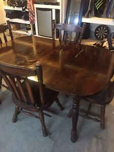 Cherry Oak - dinning room table Kitchener / Waterloo Kitchener Area image 1