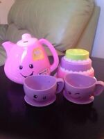 NEW PRICE!! Laugh & Learn Smart Stages Tea Set