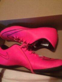 Nike football boots worth £60