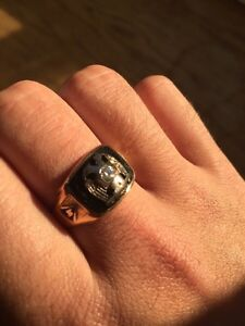 Double eagle gold ring