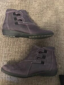 Suave boots size 8 - like new (women)