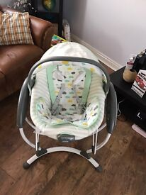 Graco glider elite cloud swing excellent condition barely used