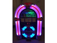 50's jukebox style CD player and radio with USB and SD