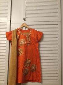 Stylish Cotton Asian Outfit Shalwar Kameez - Orange & Gold top with contrasting Bottoms