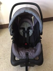 LIKE NEW CONDT. Infant car seat $60