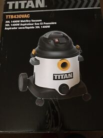 TITAN 30L wet and dry vacuum