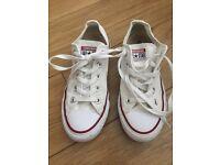 White converse girls size 4