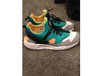 Nike Huaraches Trainers Size 9