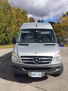 2012 2500 Mercedes-Benz sprinter van