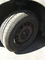4 Pneus d'ete sur roues et 4 pneus d'hiver