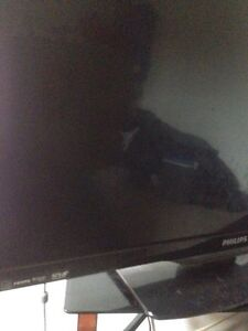 Great Condition 32' Flat Screen