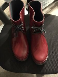 Ladies Red Boots New size 9