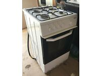 Gas oven with 4 gas hobs