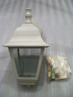 NEW WHITE OUTDOOR COACH LIGHT