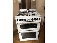 NEWHOME GAS COOKER EXCELLENT CONDITION