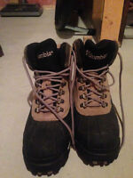 Columbia Winter Boots - Women's Size 10