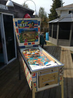 SELLING OFF MOST OF A COLLECTION PINBALLS, VINTAGE  ARCADE