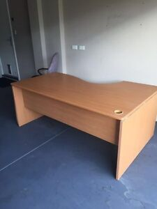 FREE OFFICE DESK IN GREAT CONDITION Gwelup Stirling Area Preview
