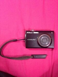 Nikon COOLPIX S4000 PERFECT CONDITION London Ontario image 1