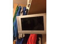 Tv with swing wall bracket