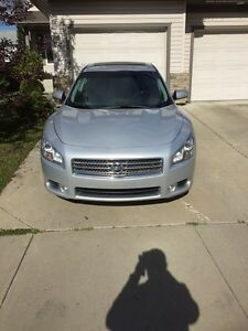 2009 Nissan Maxima priced for quick sale - super clean