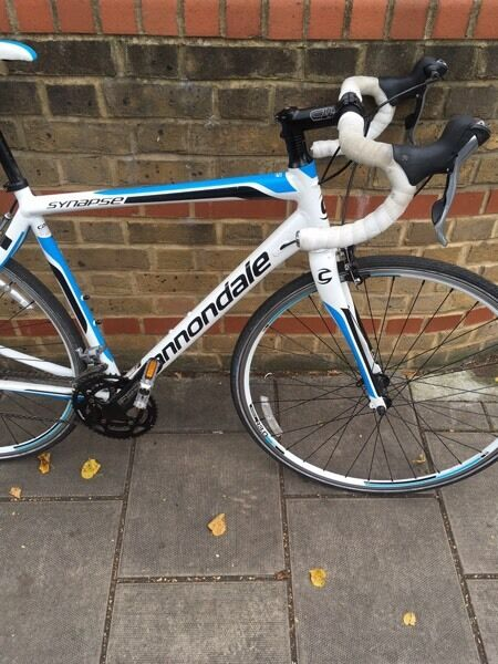 """Cannondale synapse si road racing bikein Camberwell, LondonGumtree - Cannondale Synapse si elite road racing bike Frame Synapse AlloyFrame size 54cmFork Synapse SAVE, Carbon blades, 1 1/8""""Number of Gears 20Shifters Shimano Tiagra 4600Cassette Shimano Tiagra 4600, 12 30, 10 speedRims Maddux RS 3.0, 32 hole Schwalbe..."""