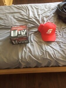 Snap-on can coolers and hat
