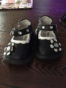 Baby Wee Squeak Shoes