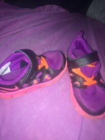 Girls shoes size 8.5