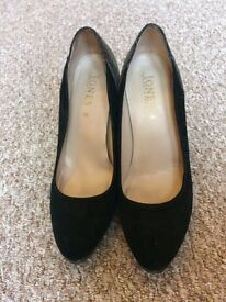 Women's black and grey shoes - size 5.5