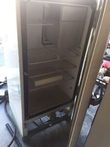 Propane refrigerators Gatineau Ottawa / Gatineau Area image 3