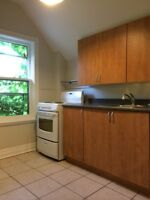 2 Bedroom Upper Steps to Richmond Row
