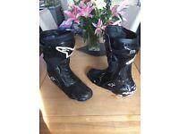 Motorbike boots alpinestars