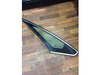 FORD SMAX quarter light glass